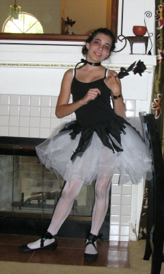 j boy says this was the best halloween ever its the best one in ten years and ive only been alive for ten years wow thats saying something - Dead Ballerina Halloween Costume